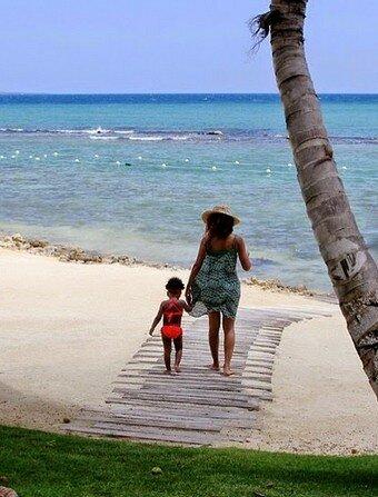Beyoncé y Blue Ivy en la playa