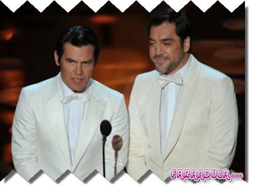 El beso de Brolin y Bardem en el Oscar 2011